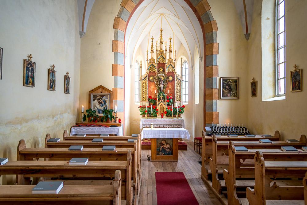 Altar Kirche Heiligkreuz am Ritzlar - Latzfonser Kreuz