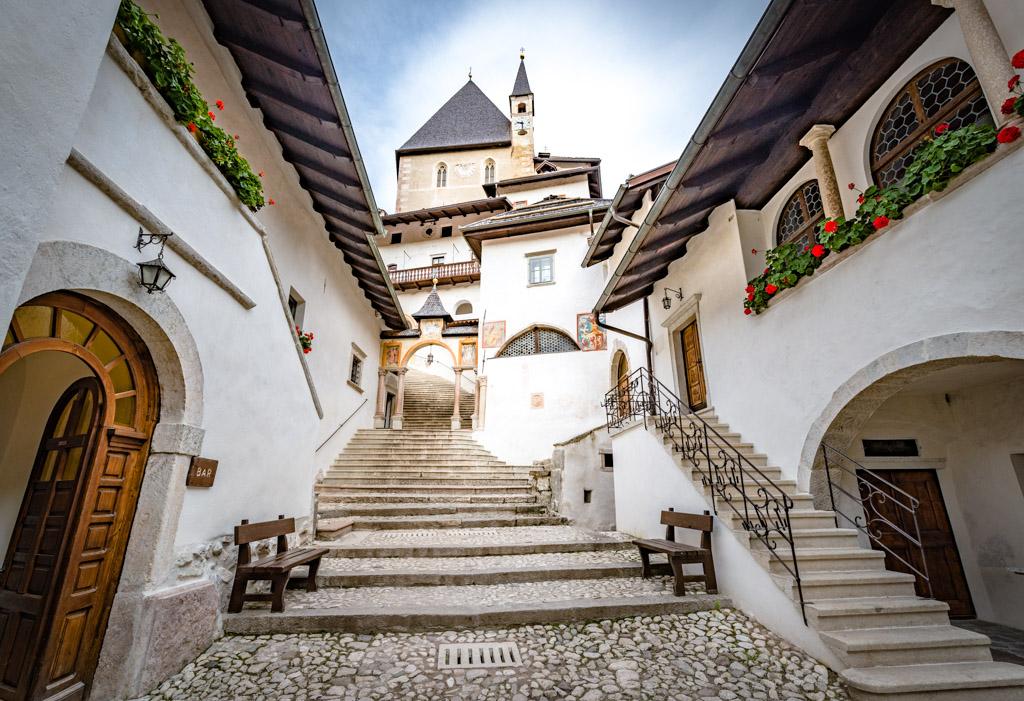 Eingangsbereich Wallfahrtskirche San Romedio