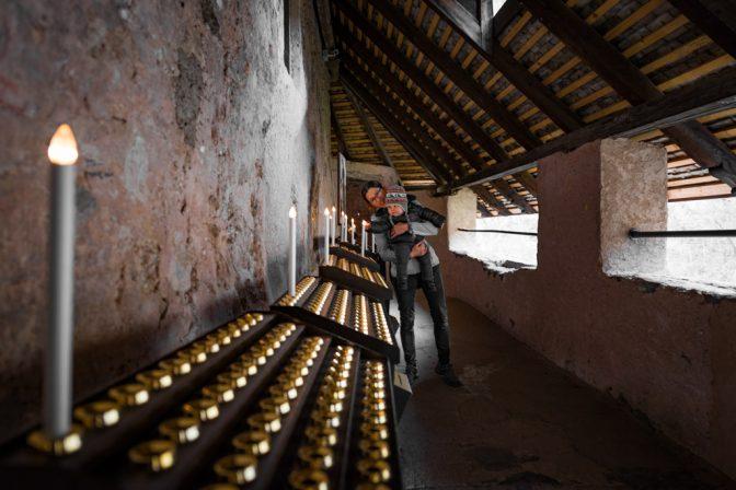 Die Kerzenkammer des Santuario San Romedio