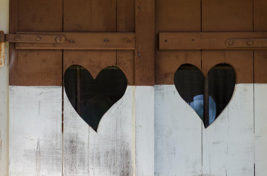 Fensterladen mit Herz