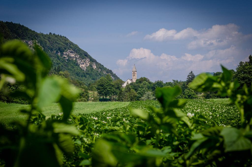 Unterfennberg mit St. Leonhard Kirche