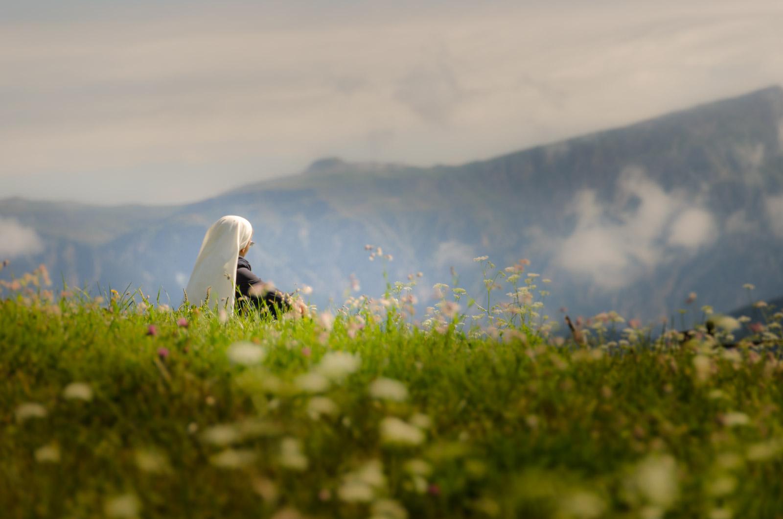 Meditatierende Nonne