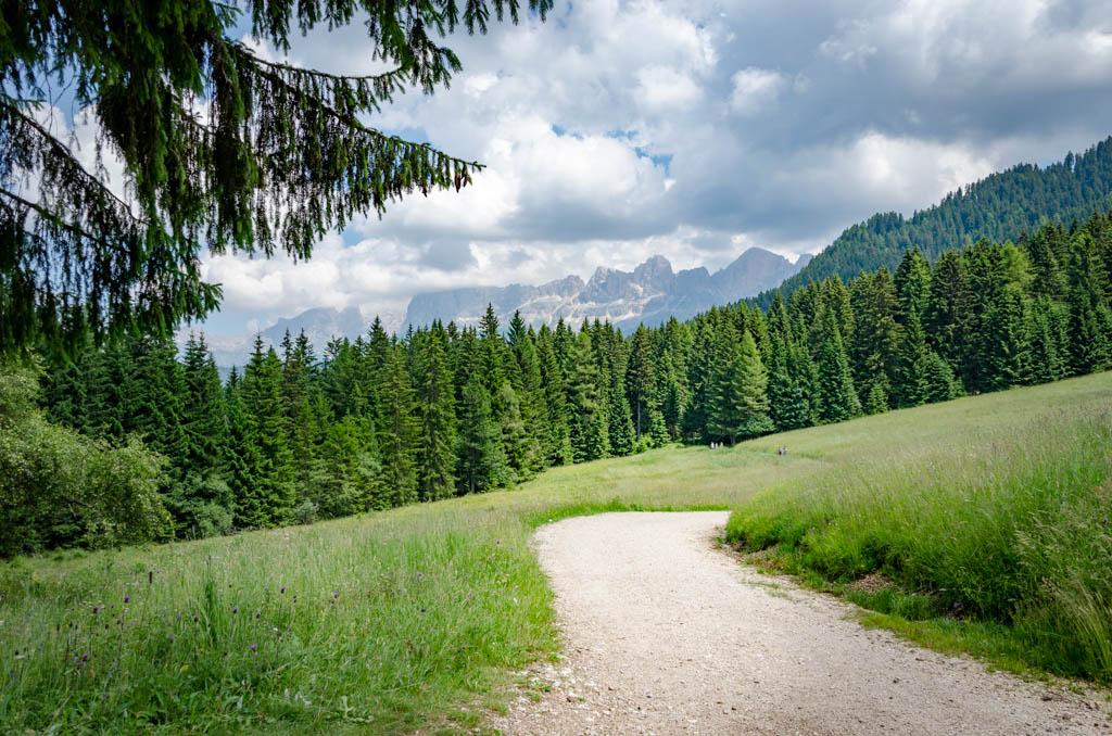 Alpine Perls Wanderweg zum Karerersee