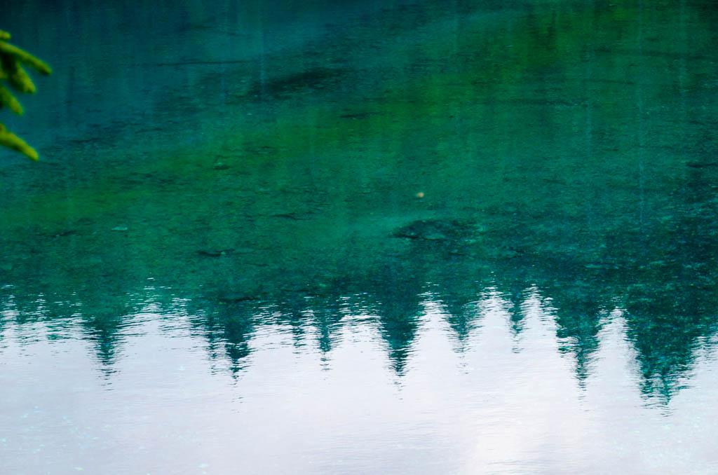 türkises Wasser im Karersee