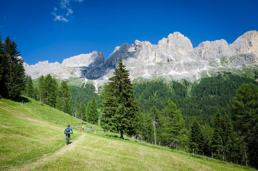 Mountainbiker unterm Rosengarten