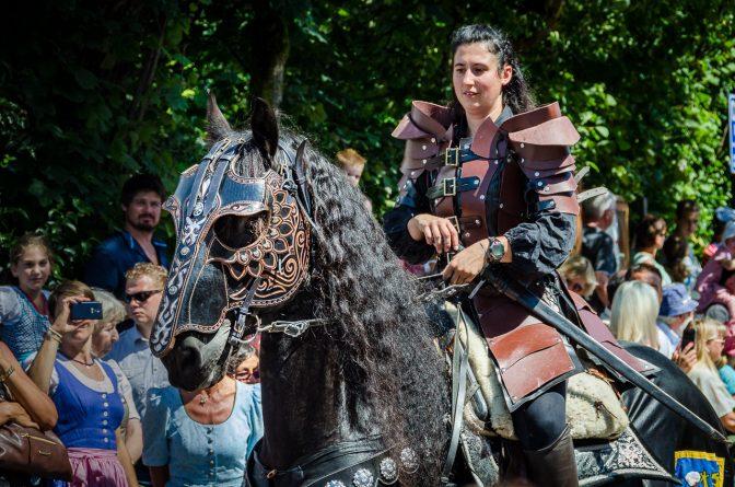 Ritter Dietrich von Bern - Trachtenumzug zu Maria Himmelfahrt in Oberbozen