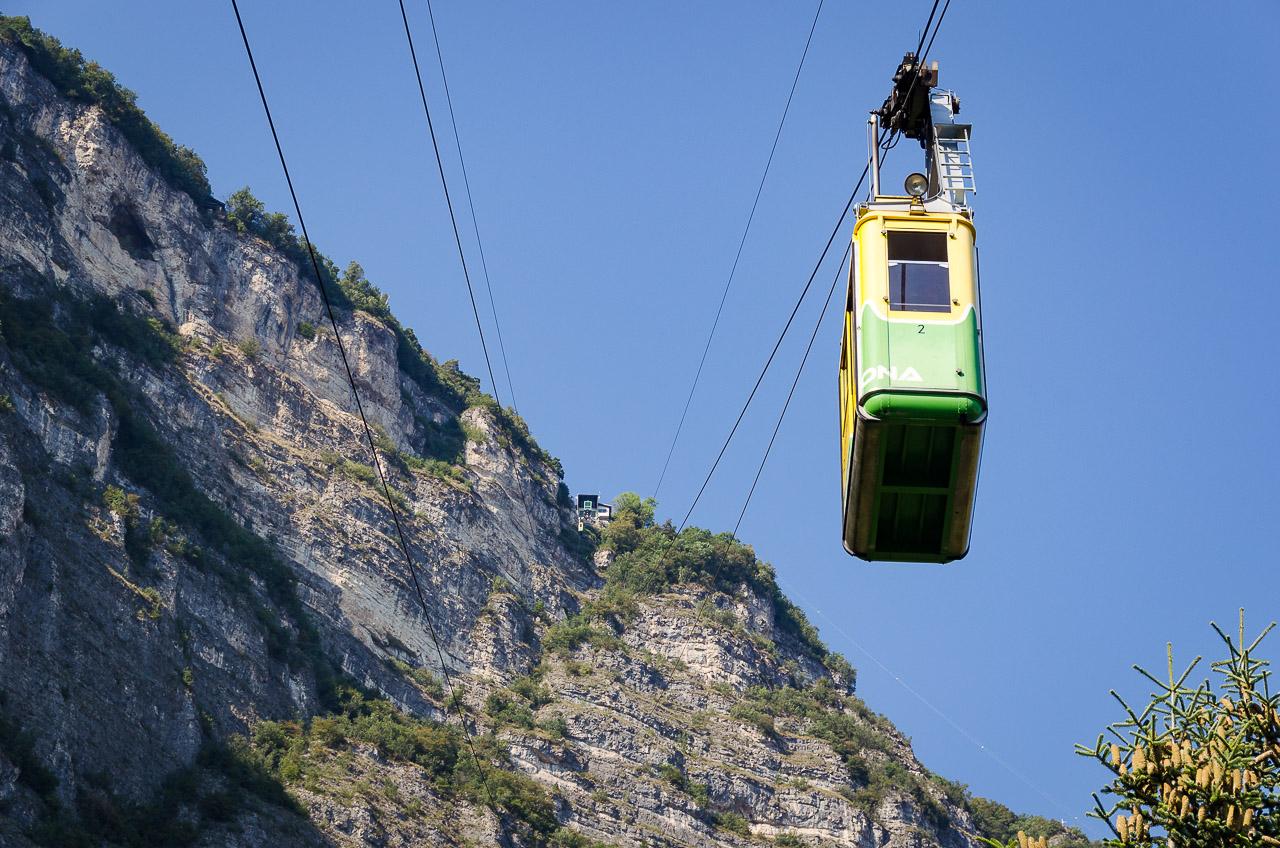Die Stehkabine der Seilbahn Monte di Mezzocorona