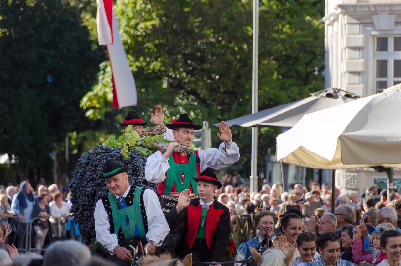 Parade Traubenfest Meran