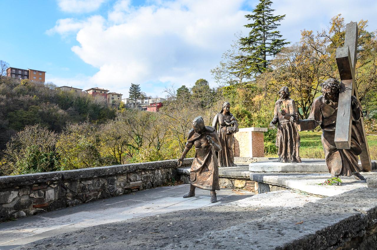 Eine Station des Kreuzgangs vom Parkplatz Spiazzi zur Wallfahrtskirche adonna della Corona
