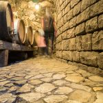 Im Kellerlabyrinth vom Weingut Domenikus