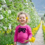 Anna und Apfelbaumblüte