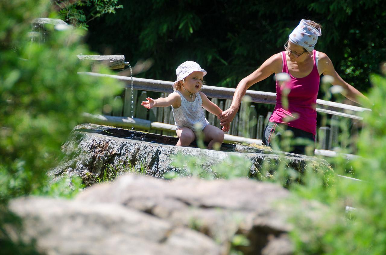 Wasserbecken, Brunnen Kneipp Anlage Truden