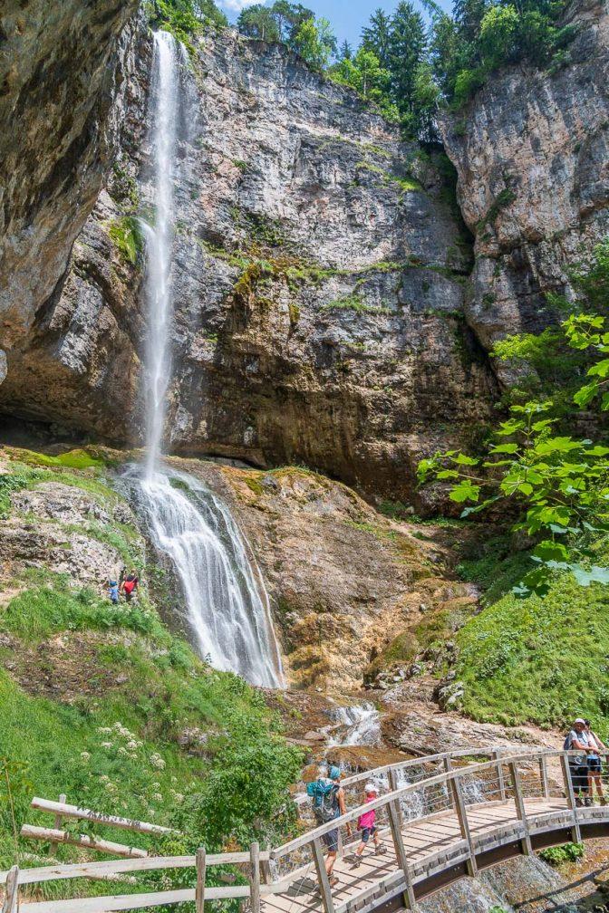"""La """"Cascata di Tret"""", der Felixer Wasserfall in seiner vollen Pracht."""